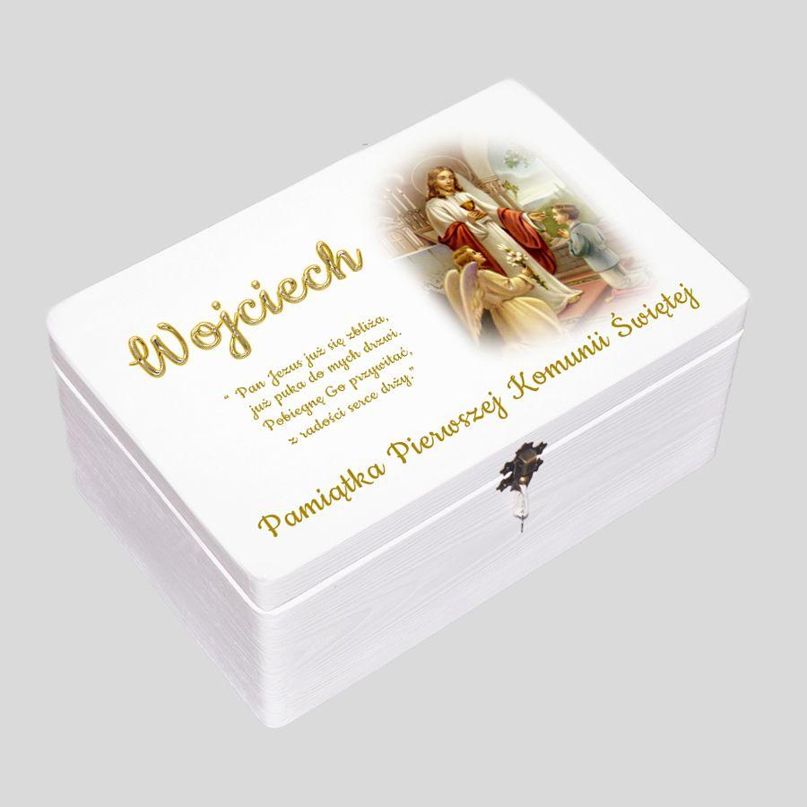 Kuferek biały Pierwsza Komunia Święta chłopiec z aniołkiem