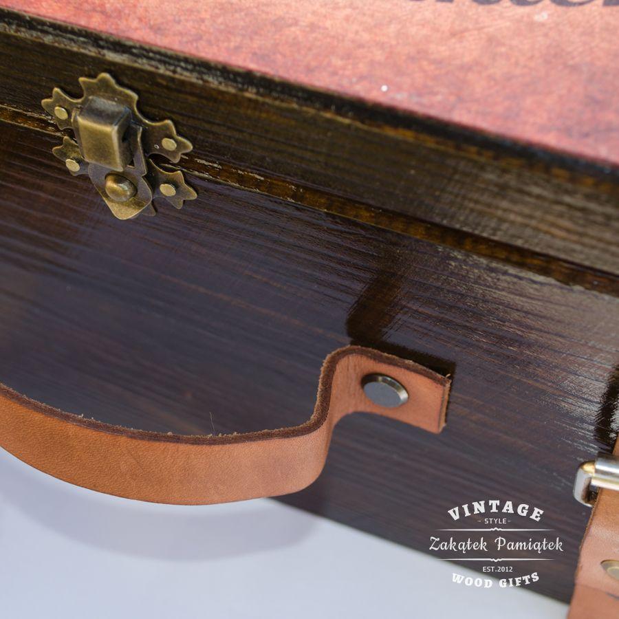 Kuferek Wspomnień walizka ze skórzanymi paskami