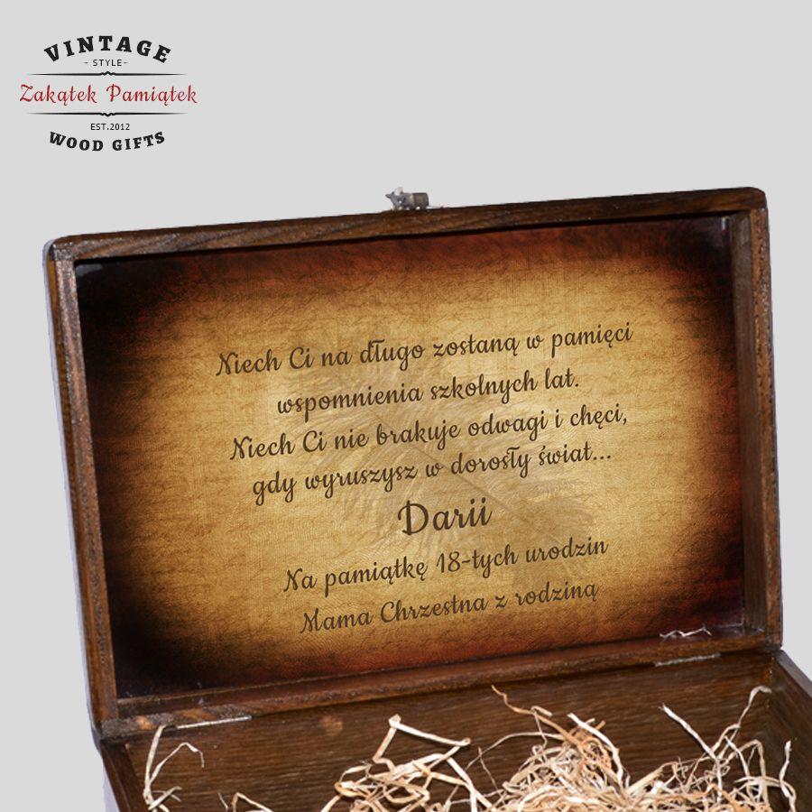 wnętrze pudełka, pudełko wspomnień, kuferek wspomnień