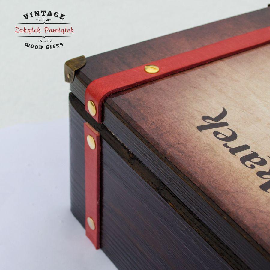 577d233919bb3 Kuferek Wspomnień walizka ze skórzanymi paskami - Zakątek Pamiątek