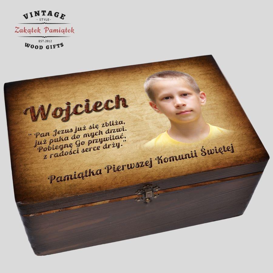 Brązowe pudełko wspomnień prezent na Komunię